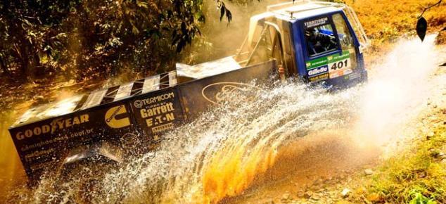 Ford Racing Trucks/ Território Motorsport vence a quarta etapa dos Caminhões
