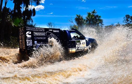 Ford Racing Trucks/ Território Motorsport parte para final como favorita ao título