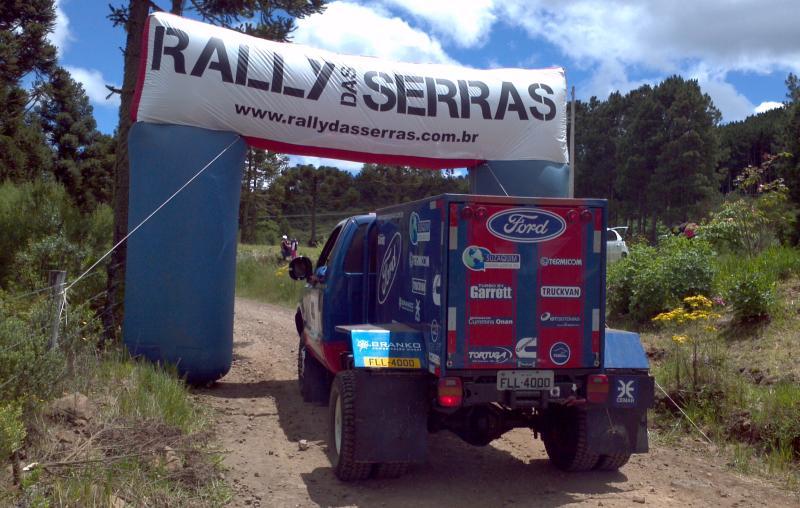 Policarpo, Seccomandi e Fonseca são vice-campeões no Rally das Serras nos Caminhões Leves e brigam por mais um título na temporada