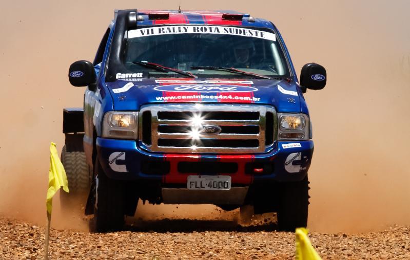 """Ford Racing Trucks /Território Motorsport segue para o """"Rally dos Amigos"""" como favorita ao título"""