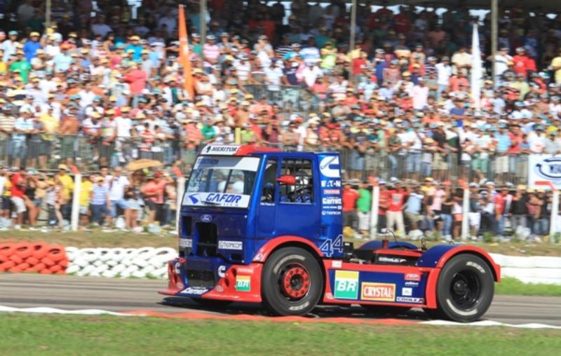 Edu Piano disputa a quarta etapa da Fórmula Truck em Goiânia