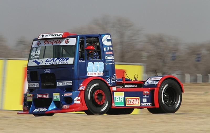 Edu Piano completa mais uma etapa da Fórmula Truck