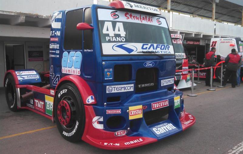 Edu Piano disputa a oitava etapa da Fórmula Truck neste domingo (13)