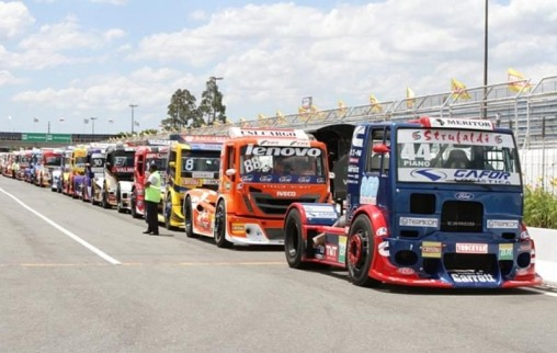 Edu Piano na Fórmula Truck